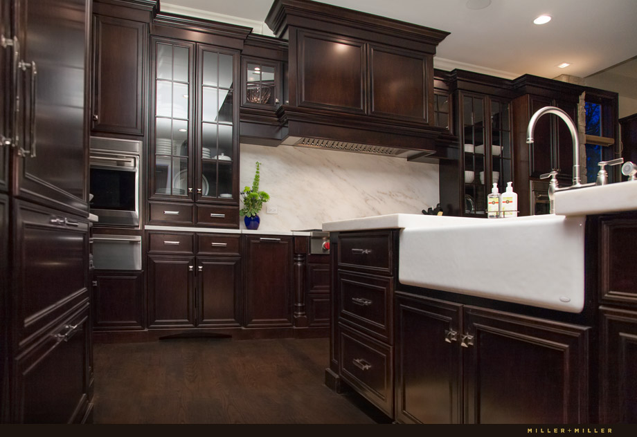 Burr Ridge luxe living kitchen dark cabinets